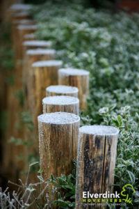 Praktische en natuurlijke duurzame erf afscheiding gemaakt van duurzame tamme kastanje houten