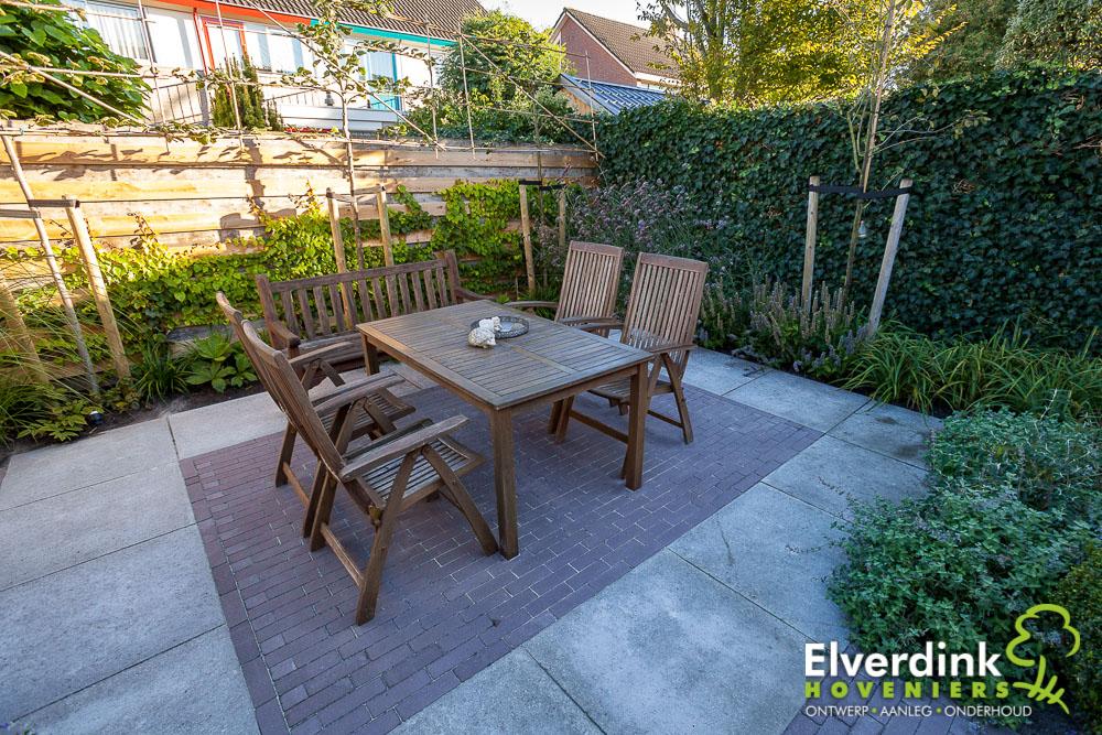 Modern klassieke tuin Hardegarijp