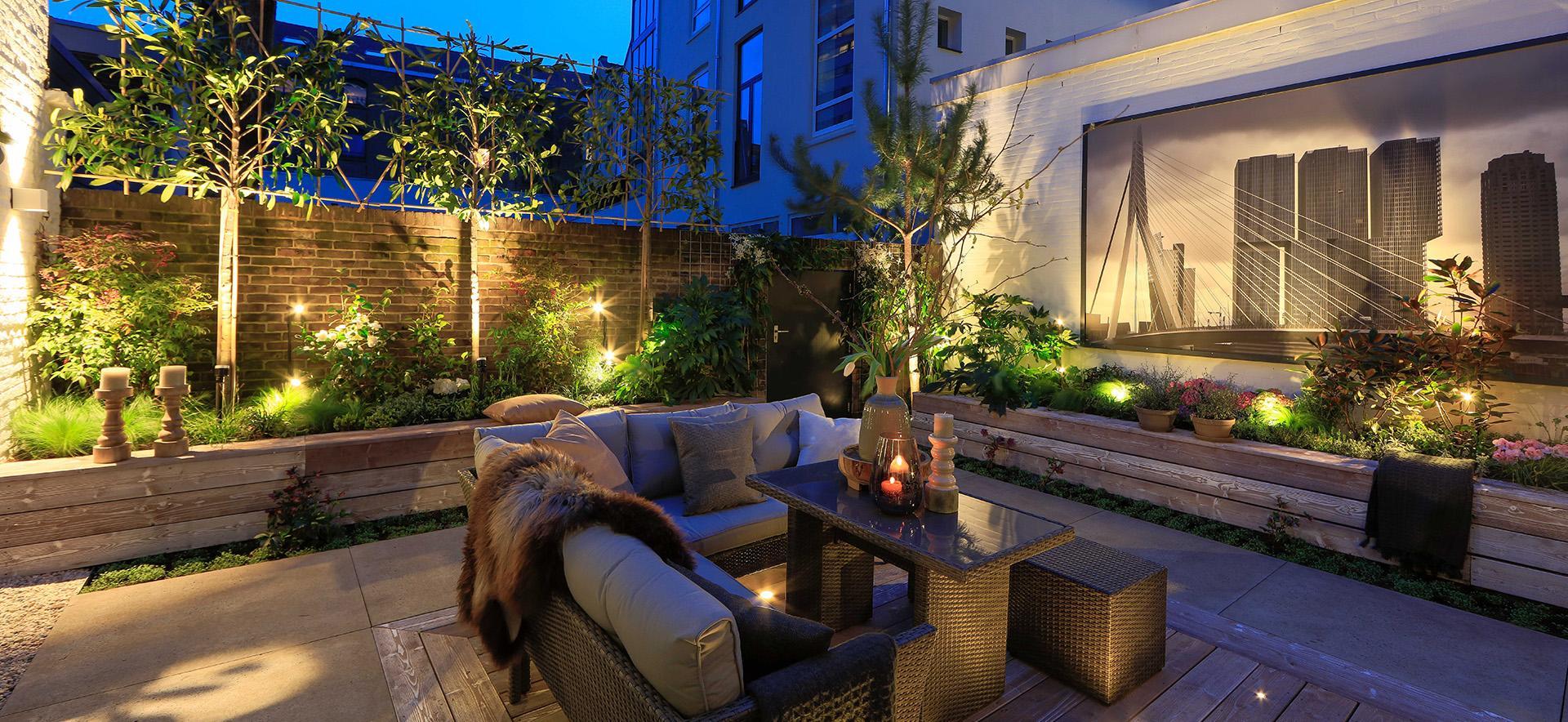 elverdink hoveniers heeft zelf veel ervaring met tuinverlichting en zorgt daardoor voor meer tuinplezier bij zijn klanten door deze ervaring kiezen de